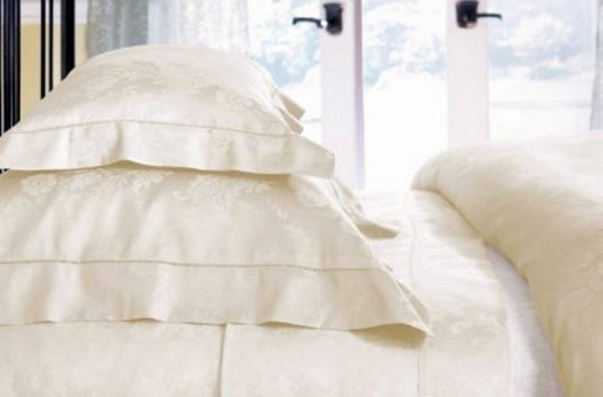 Why do White Bed Sheets Turn Yellow?