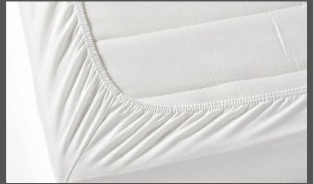 Fitted Bed Sheet Corners