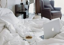 Why White Bed Sheets are not Used at Home